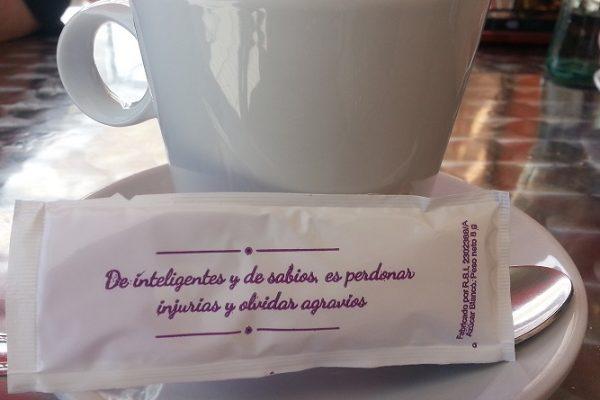 Ante un café (24) E